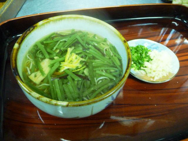 神社そば村の下山菜